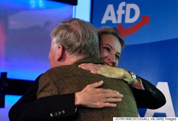 앙겔라 메르켈 총리가 4연임에 성공했다. 그러나 승자는