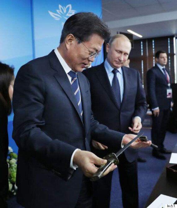 문대통령이 푸틴에게 선물 받은 조선 시대 검의