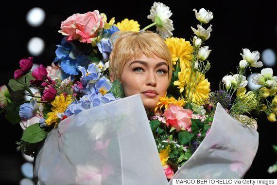 모델 지지 하디드가 '인간 꽃다발'로