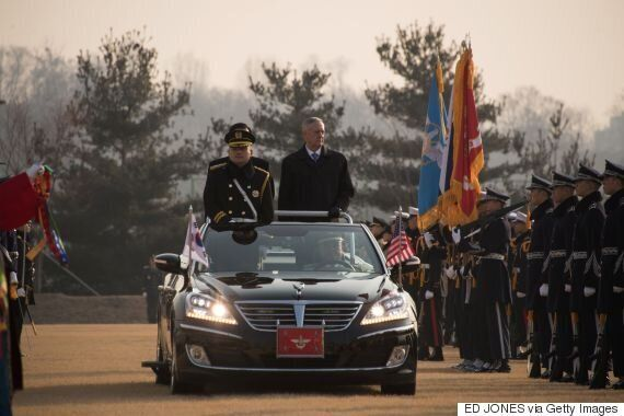 매티스 미국 국방장관이 전술핵 한반도 재배치에 부정적 의견을