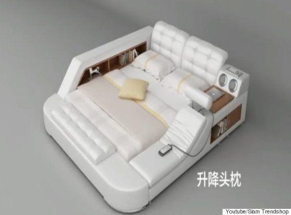 안마기, 오디오, 책상, 금고가 달린 침대가