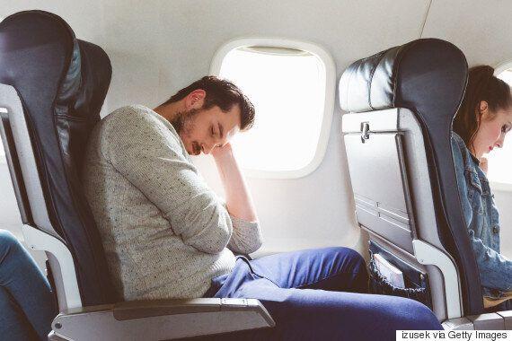 승무원이 당신을 착륙 직전에 깨우는 이유가