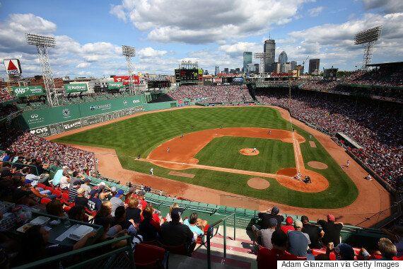 보스턴 레드삭스가 '애플워치'를 활용해 뉴욕 양키스의 사인을