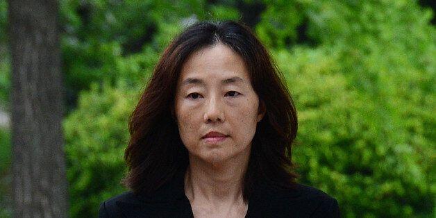 조윤선 전 장관이 '화이트리스트' 관여 혐의로 출국금지를
