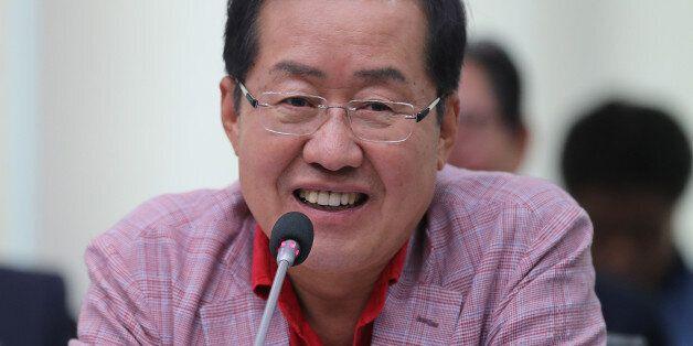 문대통령의 '대국민 보고대회 생중계'에 대한 야당의