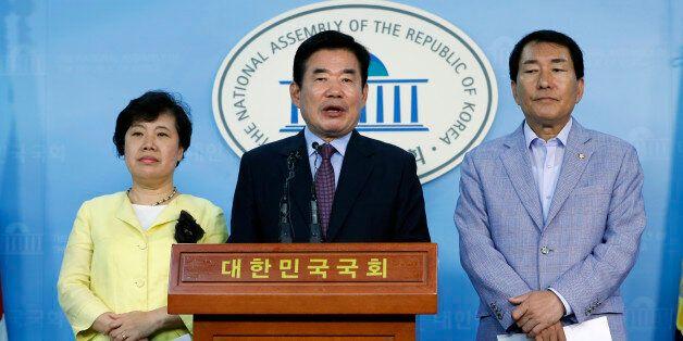 '종교인 과세하려면 세무조사 못하게 해야한다'고 김진표 외 22명 의원들이