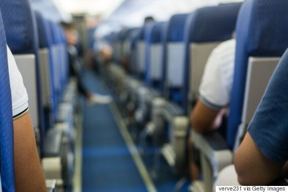 비행기에 탄 다른 승객들의 가장 짜증나는