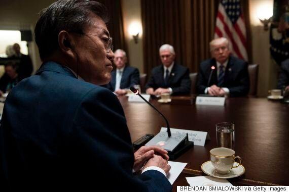 정부가 '트럼프, 한미FTA 폐기 지시' 보도에 신중하게