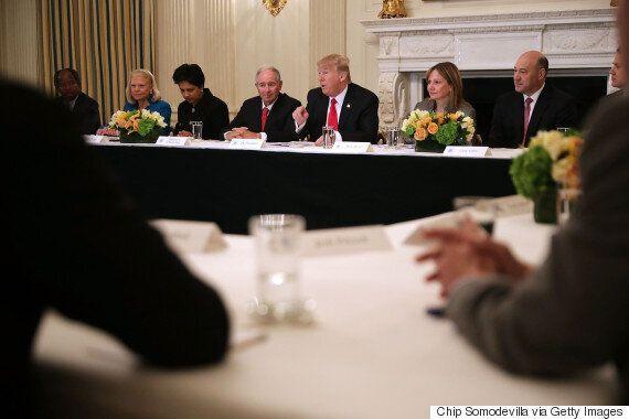 트럼프의 '백인우월주의 두둔'에 반발한 CEO들이 자문단에서 줄줄이