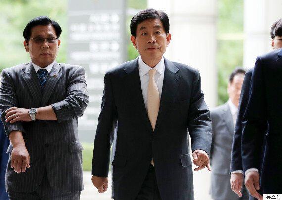 '대선개입' 원세훈 전 국정원장에게 법원이 징역 4년을
