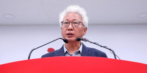 자유한국당 혁신위원이 자유한국당 혁신선언문에 반발해