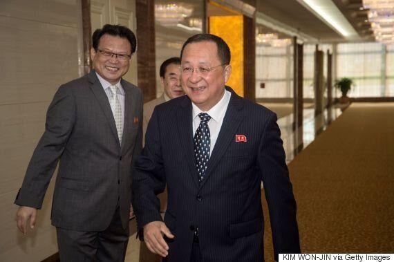 강경화 외교장관과 처음 만난 리용호 북한 외무상이 '베를린구상'에 대해 밝힌