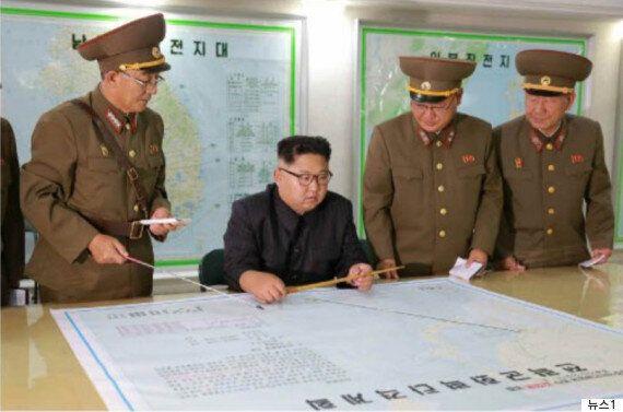김정은이 '괌 타격'을 주저하며