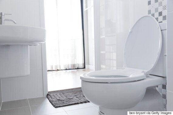 이 절도범은 화장실에서 물을 내리지 않아