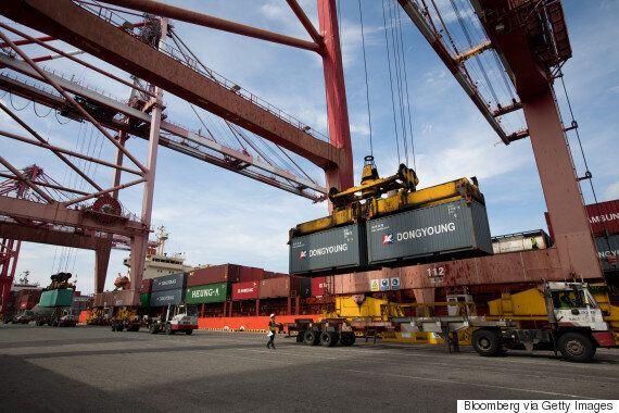 2분기 수출이 8년 반만에 '최저치'로 떨어졌다. 중국 '사드 보복'