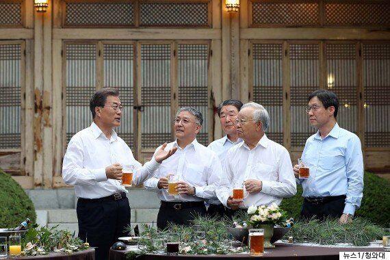 문재인 대통령-기업인 2차 '호프미팅'의 새 메인안주 '황태조림'에 담긴