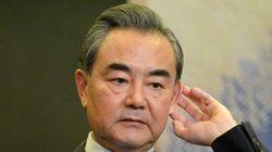 왕이 중국 외교부장이 강경화 장관에게 항의한