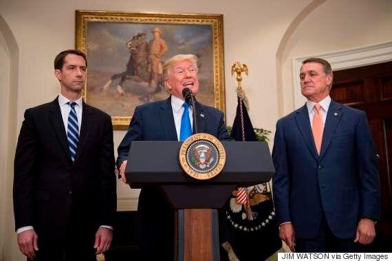 도널드 트럼프가 미국 '합법이민'을 대대적으로 축소하는 법안을