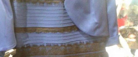 이 옷의 색깔은 '민트색-회색'일까,