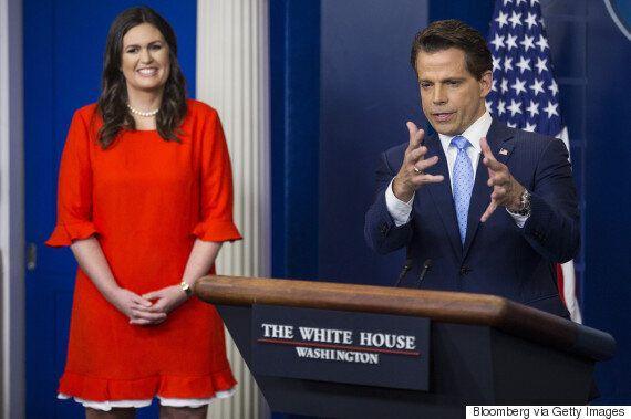 스파이서 백악관 대변인이 월가 출신 공보국장 임명에 반발해
