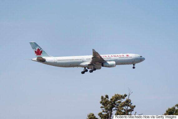 에어캐나다 여객기가 다른 여객기 4대와 거의 충돌할 뻔