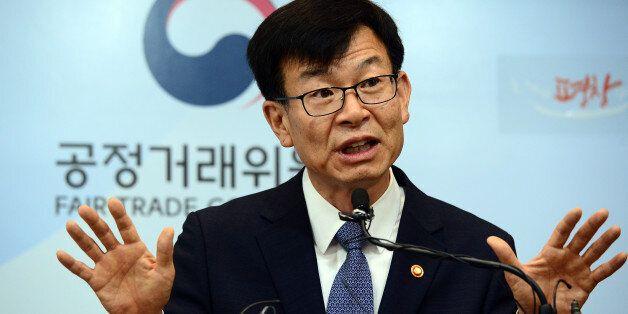 김상조가 대기업의 '갑질'을 비판하면서 더 작은 업체에 '갑질'하는 중소기업에 쓴소리를
