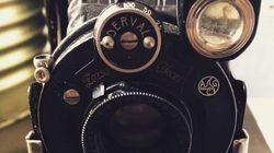 1929년 생산된 중고 카메라의 필름을