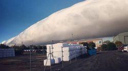 호주 하늘에 뜬 이상한 구름의 정체(사진,