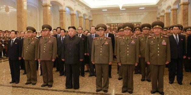 북한 김일성 사망 23주기 참배한 김정은 옆에는 'ICBM 주역'들이