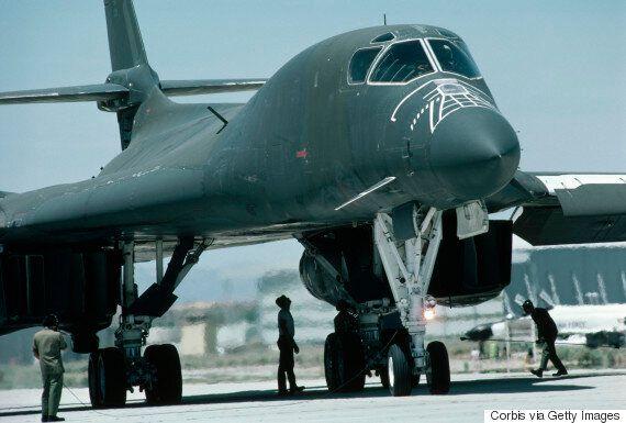 미군 전략폭격기 B-1B가 한반도 상공에서 '북한 타격' 사격훈련을