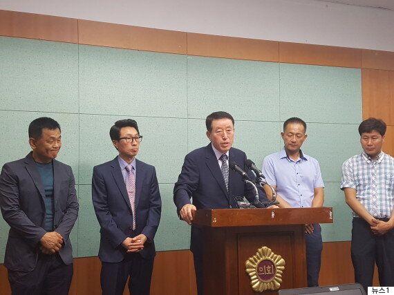 국민의당 전북 첫 당직자 공식 탈당 '제가 치고 나가면 탈당에 합류할