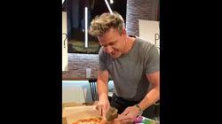 고든 램지가 파인애플 피자 먹는 모습을 생중계한