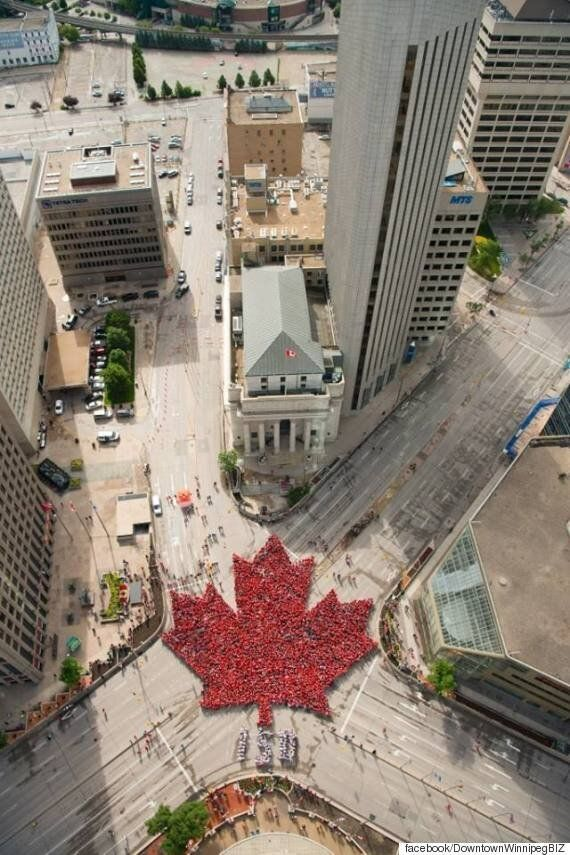 캐나다 건국 150주년을 기념하는 거대한 인간
