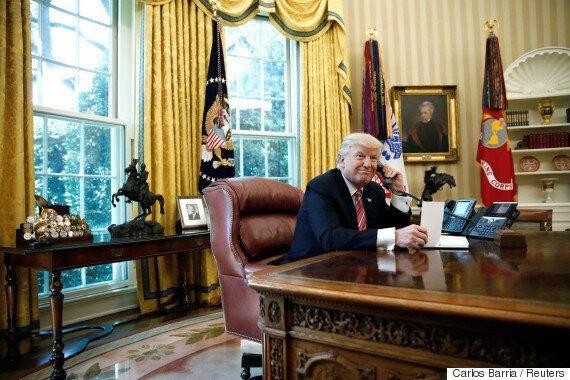 도널드 트럼프와 아일랜드 신임 총리의 전화통화 도중 벌어진 기이한 일