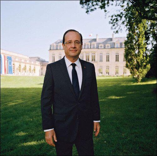 마크롱 프랑스 대통령의 공식 프로필 사진에 담긴 깨알같은