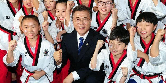 문재인 대통령이 평창동계올림픽 '남북 단일팀'을 공식