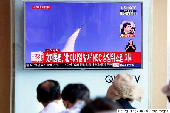 문재인 대통령이 북한 미사일 발사를