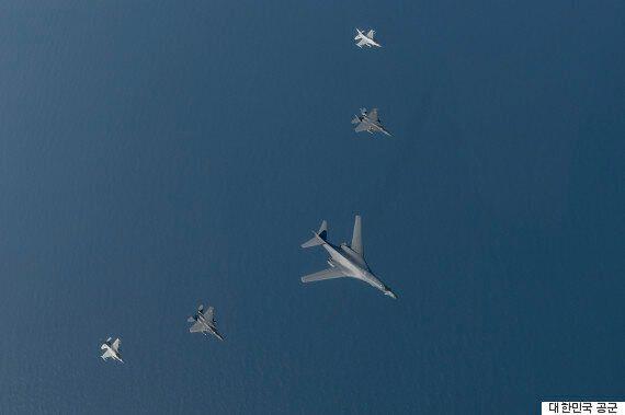 미군 '죽음의 백조' B-1B 폭격기 한반도 출격 의미를 놓고 해석이