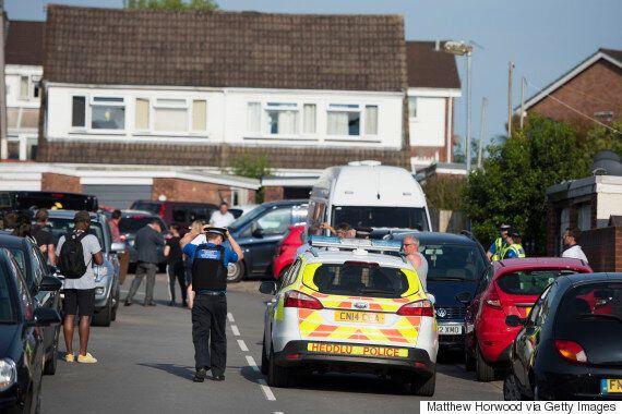 영국 런던 모스크 승합차 돌진 '테러' 용의자 신원이