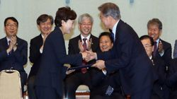 문대통령이 김현미 장관에게 '폭풍숙제'를