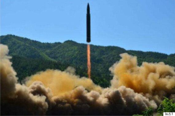 문대통령, 미사일 사격훈련 지시하며