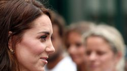 새로운 헤어스타일로 윔블던 대회에 나타난 케이트 미들턴