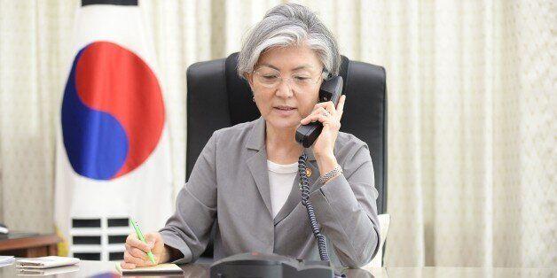 강경화 외교장관은 일본에