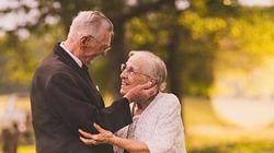 결혼 65주년을 맞은 노부부가 '웨딩 화보'를