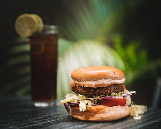 3 receitas veggies que provam que hambúrguer bom não precisa ter 'gosto de