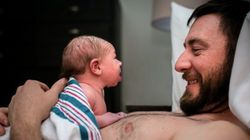 분만실에서 출산을 함께 한 아빠들의 감동적인 모습(사진
