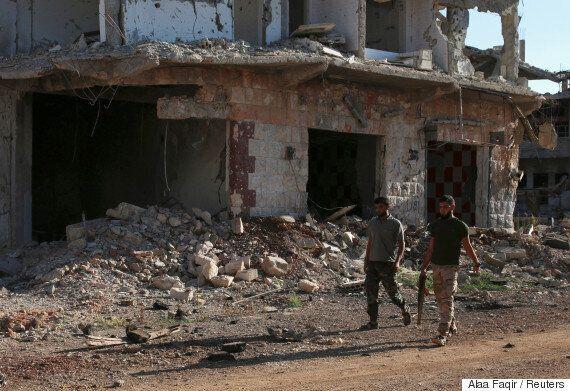 미국 동맹군 시리아 공습에 한달새 민간인 472명이 사망했다는 주장이