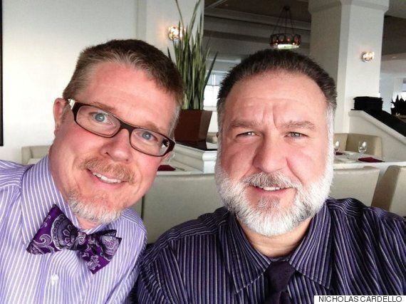 게이 커플이 24년 전 프라이드 사진을