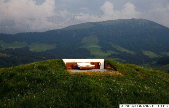 지붕은 없어도 현대식 집사는 있는 스위스의 한