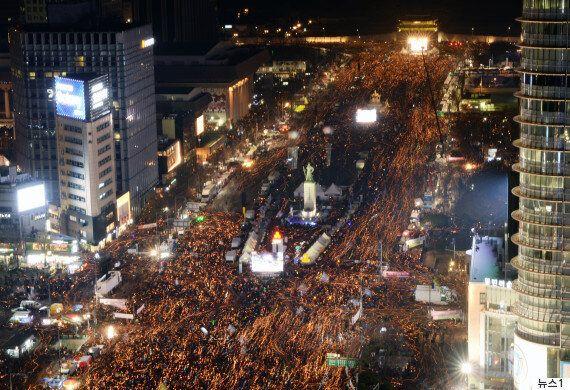 2016년 집회 참가자수는 최대규모였지만, 불법·폭력 시위는 가장 적었다(경찰청